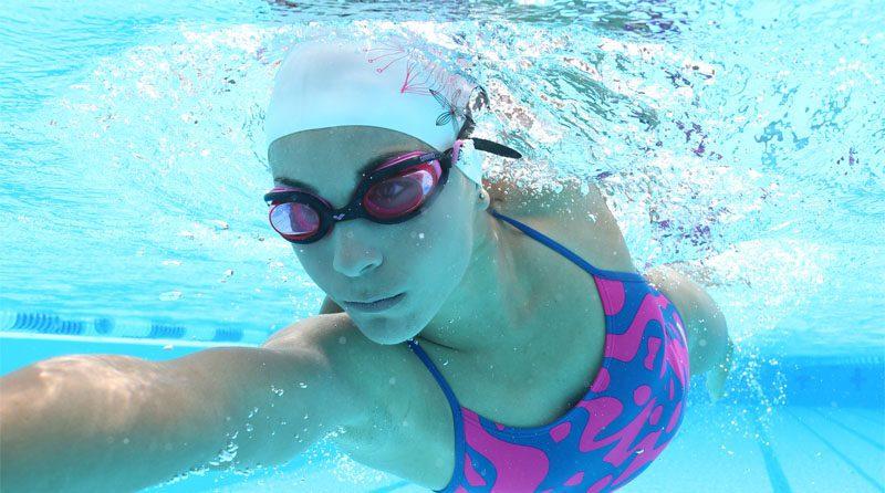 Deniz ve havuzda lens kullanımı hassasiyet ve özen ister