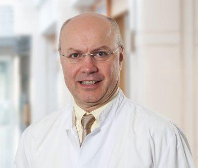 """Serdar Turhal """"Meme kanseri sonrası Tip 2 diyabet gelişmesi ihtimali de yüksektir"""" dedi ve diyabetin kanser riskini artırdığına dikkat çekti."""