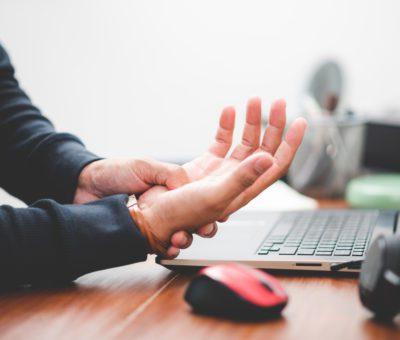 Elektronik eşya ile çalışıyorsanız el, kol ve omuzlarınız güçsüzlükten değil aşırı yüklenmeden ağrır