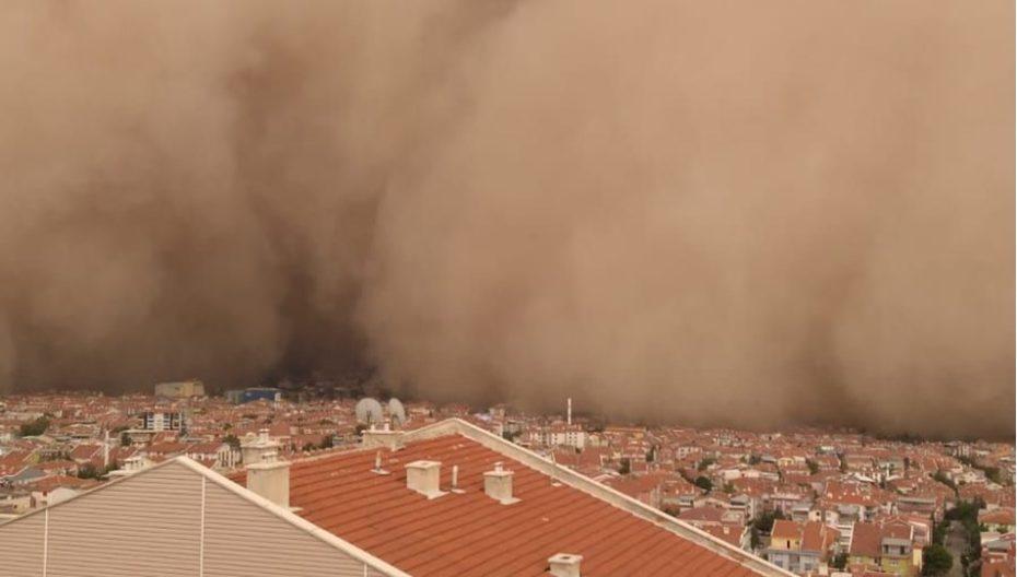 Kum fırtınası insan sağlığına ciddi zararlar verbilir