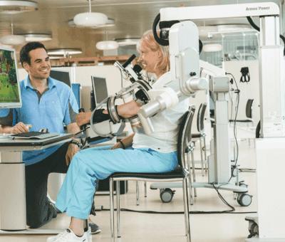 Robotlar hasta rehabilitasyonunda da iş başında