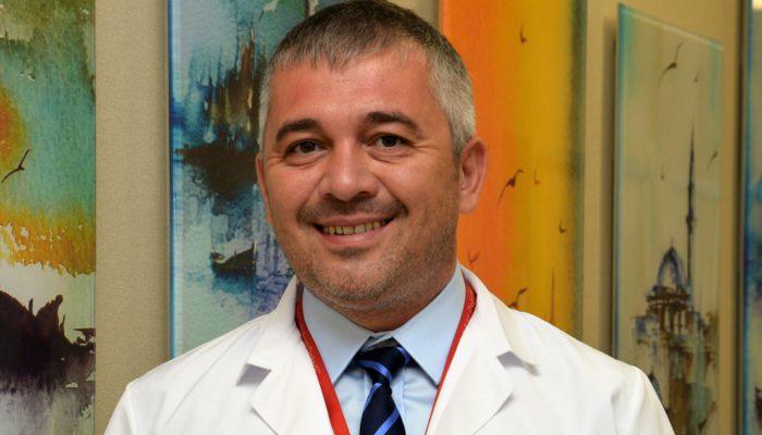 Kilo almak ve kilo kontrolü yapamamak ise meme kanserini tetikleyebiliyor. Memorial Şişli Hastanesi Genel Cerrahi Bölümü'nden Doç. Dr. Fatih Levent Balcı, meme kanseri ve risk faktörleri hakkında bilgi verdi.