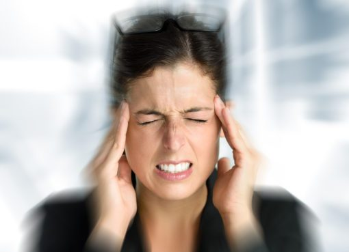 Baş ağrısı, bulantı, dalgınlık, ışığa hassasiyet mi var?