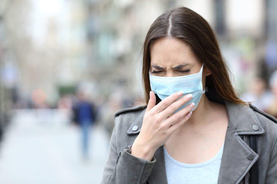 Maskeyle nefes almakta zorlanıyorsanız doktora gidin!