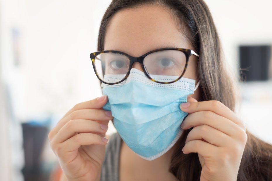 Dr. Emel Çolakoğlu, halk arasında 'göz migreni' olarak adlandırılan hastalığın, pandemi sürecinde aylardır giderek yaygınlaştığını belirtti...