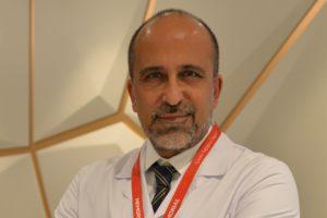 Kalp Damar Uzmanı Cerrahisi Uzmanı Prof. Dr. Korkmaz ani kalp hasarı, Covid-19 vakalarının yaklaşık olarak %20'sinde meydana gelmektedir dedi