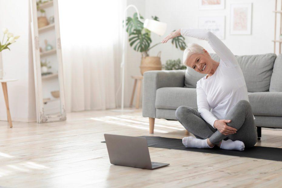 Bu egzersiz veya hareketler, hastayı yormayacak şekilde gün içerisinde düzenli olarak oturarak ya da yarı yatar pozisyonda yapılabilir...
