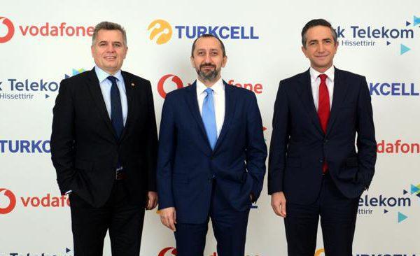Türkiye'nin telekomünikasyon devleri yerli mesajlaşma ve sosyal medya uygulamaları BiP ve Yaay için iş birliğine gitti ve çalışmalar başladı.