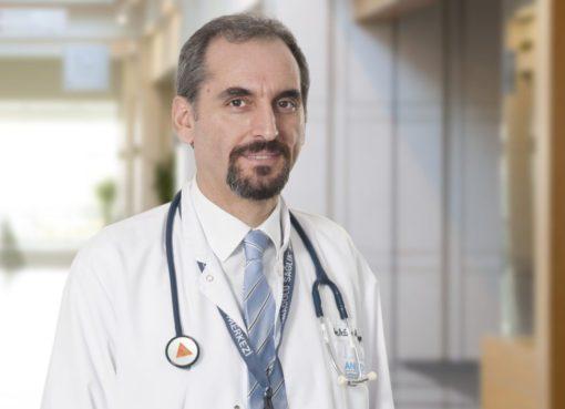 """Nefroloji Uzmanı Doç. Dr. Enes Murat Atasoyu, """"Evlerde kalmanın ortaya çıkardığı yoğun hamur işi tüketimi çok tehlikeli"""" dedi."""