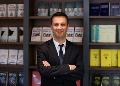 Üsküdar Ü. Psikoloji Bölümü Öğretim Üyesi Doç. Dr. Tayfun Doğan, psikolojik sağlamlık düzeyi yüksek insanlara 'hacıyatmaz' benzetmesi yaptı.