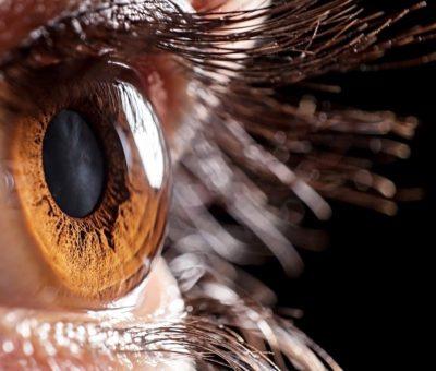 Tek odaklı ancak yakın ve uzak görmeyi düzeltebilen Edof trifokal mercekler katarakt dışında bir göz hastalığı olanlarda da uygulanabiliyor.