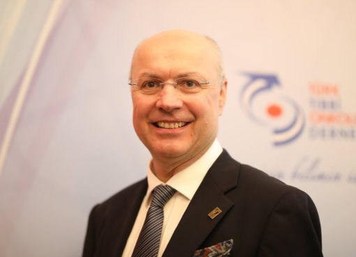 TTOD Başkanı Prof. Dr. Serdar Turhal, sağlıklı bir yaşam biçimi seçmenin diğer hastalıklardan koruduğu gibi kanserden de koruduğunu belirtti.