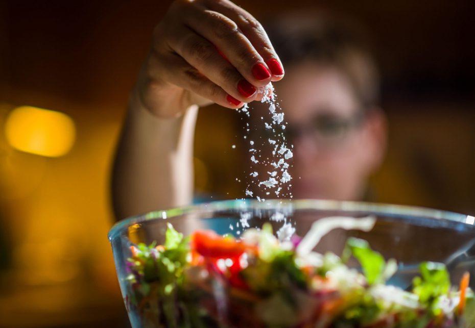 Nefroloji Uzmanı Prof. Dr. Sevgi Şahin fazla tuz tüketiminin neden olduğu 6 hastalığı anlattı; önemli öneriler ve uyarılarda bulundu!..