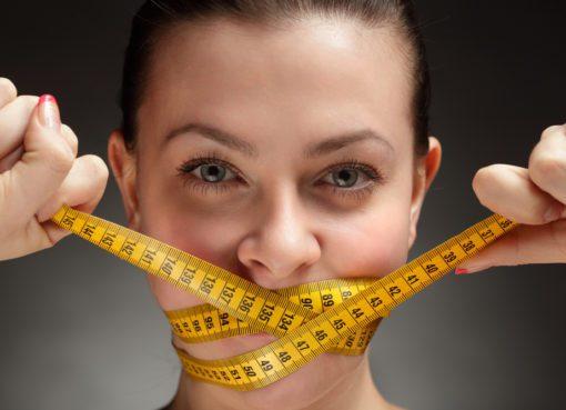 Karbonhidrattan yağdan ya da ekmekten uzak durulan diyetler aslında çıkılan yolda bizi sağlığımızdan edebilecek yan etkilere de sahip...