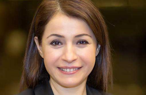 Eczacıbaşı İlaç öncesi Nilüfer Çetin, 1998-2007 yılları arasında Pfizer'de sırasıyla medikal müdür ve terapötik alan müdürü olarak çalıştı.