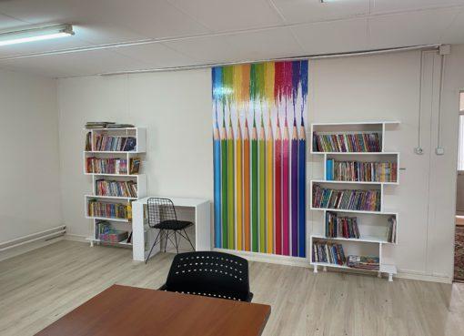 """AstraZeneca Türkiye Gönüllülük Takımı geçtiğimiz yıl depremde kayıplar verilen Elazığ'da, """"Akçakiraz İlkokulu""""na bir kütüphane kazandırdı..."""