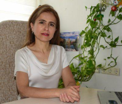 İşitme kaybında yaşla birlikte görülme sıklığı artıyor. Türkiye'de yapılan istatistiklere bakıldığında 45 yaşa kadar yüzde 2,1 oranında görülen işitme kayıpları, 45-54 yaş aralığında nüfusun yaklaşık yüzde 9,5'inde, 55-64 yaş aralığında yüzde 13,5'inde, 65 yaş üstünde ise yüzde 18,5'inde görülüyor. 75 yaş üstünde ise oran yüzde 32'ye yükseliyor.