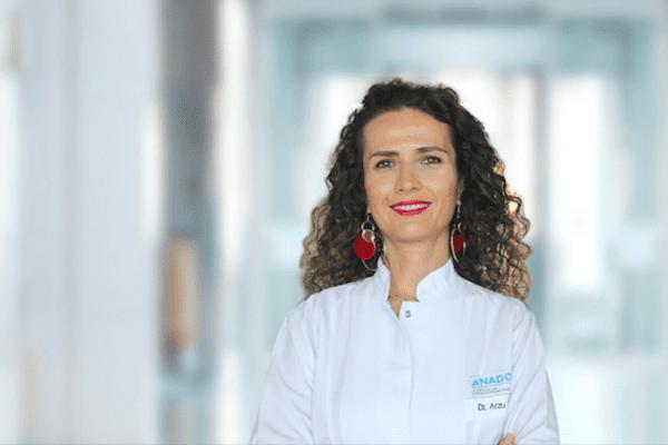 Pandemi sürecinde yeni çürüklerin oluştuğuna dikkat çeken Anadolu Sağlık Merkezi Diş Hekimi Arzu Tekkeli, önemli açıklamalarda bulundu.