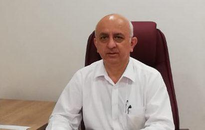 İstanbul Üniversitesi Tıp Fakültesi KBB Hastalıkları Ana Bilim Dalı Öğretim Üyesi Prof. Dr. Yahya Güldiken, her 1000 doğumda bir ila üç oranında ileri ve çok ileri derecede işitme kaybına sahip çocuğun olduğunu belirtti. Güldiken, tedavi edilmezse işitme kaybıyla gelen sosyal izolasyon ve içine kapanmanın demans ve alzheimer gibi hastalıklara sebebiyet verebileceğine dikkat çekti.