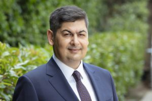 Genel Müdür olarak atanmadan önce Türkiye İş Bankası A.Ş. Bireysel Bankacılık Pazarlama Bölümü Bölüm Müdürü görevini yürüten Sezercan