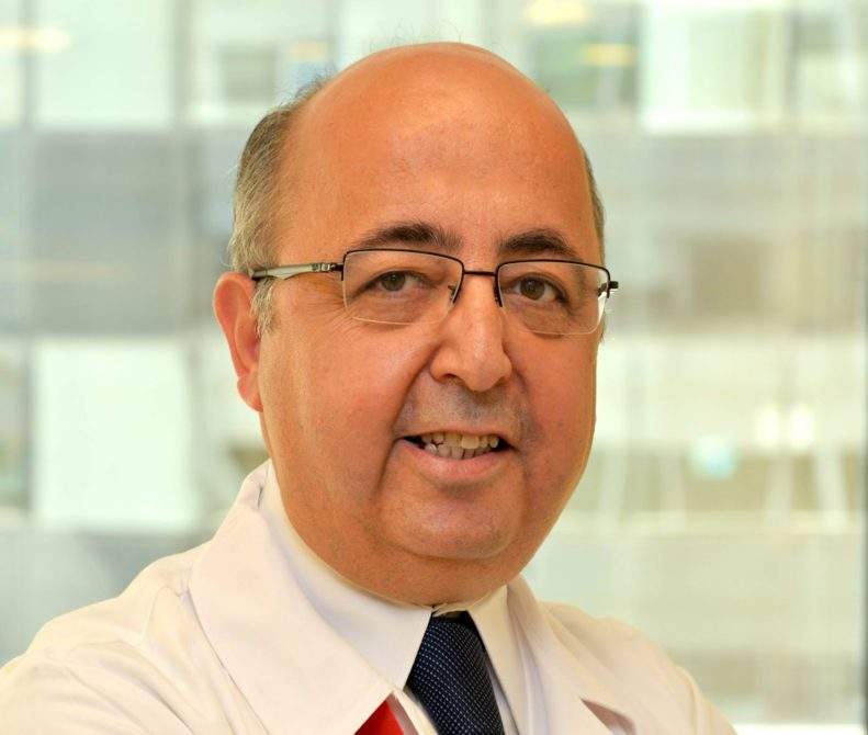 """Memorial Şişli ve Ataşehir Hastaneleri Nöroloji Bölümü'nden Prof. Dr. Türker Şahiner, """"21 Eylül Dünya Alzheimer Günü"""" vesilesiyle, Alzheimer hastalığı ve tedavisindeki yeni gelişmeler hakkında bilgi verdi."""