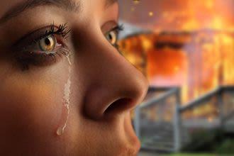 Gözlerde meydana gelen birçok problem günlük hayatı olumsuz etkileyerek büyük endişeye neden olur. Özellikle de batma, sulanma, kızarıklık veya bulanık görme gibi şikayetler kişide görmeme korkusuna yol açabilir. Tüm bu şikayetlerin sebebi ise kronik blefarit olabilir.