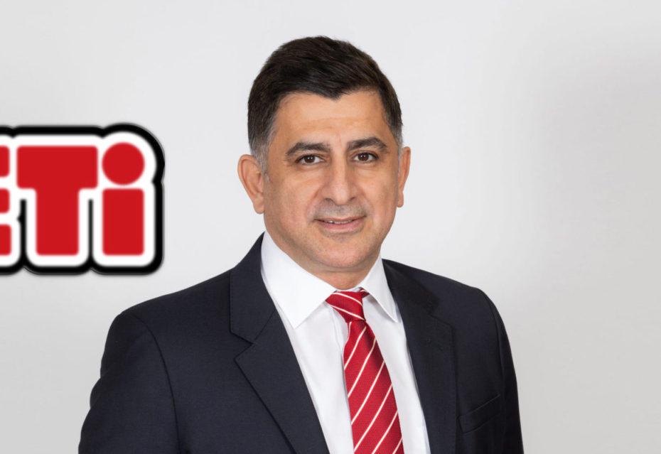 Profesyonel iş tecrübesiyle uzun yıllar farklı firmaların çeşitli yönetim kademelerinde görev yapan Öz, Eti'nin satış stratejilerinin geliştirilmesi ve hayata geçirilmesinden sorumlu olacak.